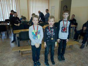На каникулах прошли соревнования по шахматам среди школьников Московского района