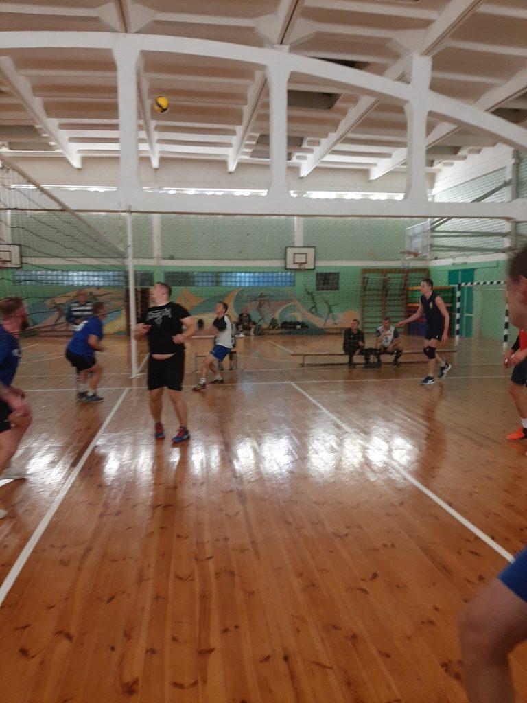 В Московском районе г. Минска прошли соревнования по волейболу среди мужчин в программе районной спартакиады среди взрослого населения.